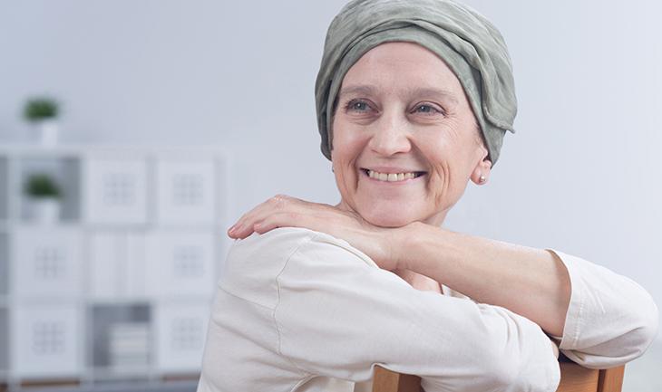 Phytothérapie-Femme heureuse-cancer